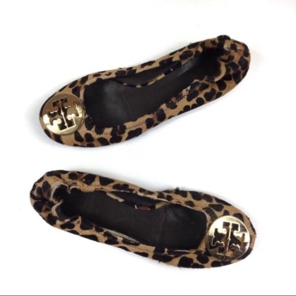 52a133feb6d Tory Burch Reva Leopard Calf Hair Ballet Flat. M 5c6632b66197452c8afe529e